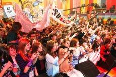 Organizowany co roku Finał Wielkiej Orkiestry Świątecznej Pomocy jest najbardziej znaną akcją charytatywną w Polsce. Po raz pierwszy zbiórkę pieniędzy na rzecz chorych przeprowadzono w 1993 roku