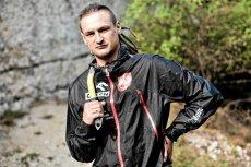 Adam Bielecki nagle stracił sponsora wyprawy, ale pomogli mu internauci. W dwie godziny zebrał 15 tysięcy złotych