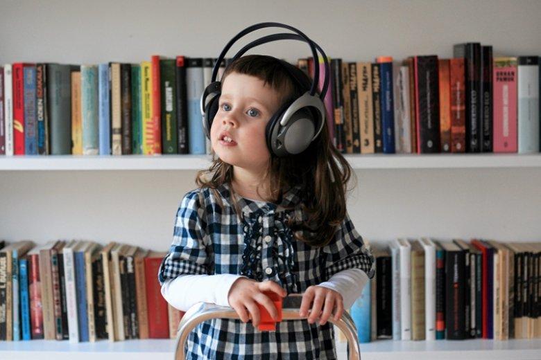 Jak powinno się w dzisiejszych czasach uczyć najmłodszych o literaturze i zachęcać ich do czytania?