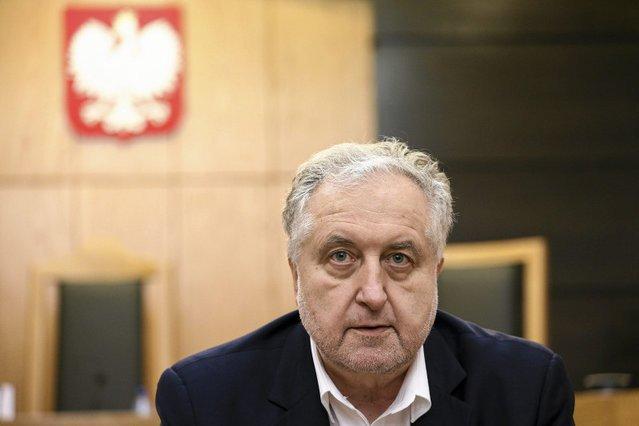 Prof. Rzepliński ocenił, że zmiany w armii zahaczają o zbrodnię stanu