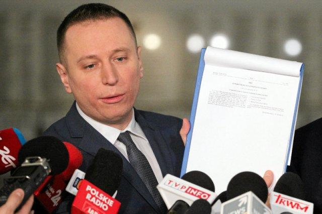 """Poseł Krzysztof Brejza z pewnością nie ma wielu fanów w PiS za swoją działalność """"piśmienniczą""""."""