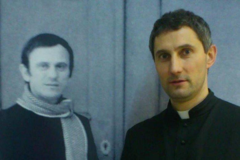 Adam Anuszkiewicz zanim został księdzem, to przez 10 lat pracował jako inżynier. Dziś jest kapelanem Zakładu Poprawczego w Białymstoku. Rapuje, żeby dotrzeć do swoich podopiecznych.