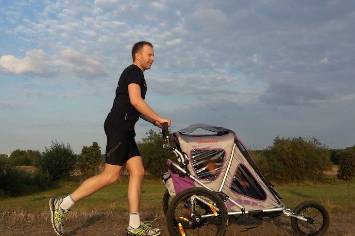 Bardzo częstym pytaniem i niezwykle istotnym czynnikiem decydującym o zakupie jest cena wózka bądź przyczepki.