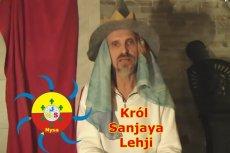 Sanjaya uważa się za króla Lehji i jest internetowym guru m.in. płaskoziemców