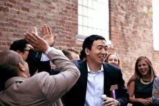 Andrew Yang startuje w wyborach prezydenckich w USA w 2020 roku. Jeśli wygra, chce dawać wszystkim dorosłym obywatelom 1000 dolarów miesięcznie