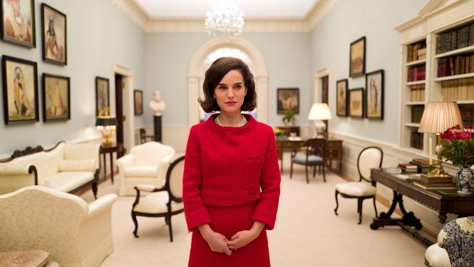 Natalie Portman w roli Jackie Kennedy.