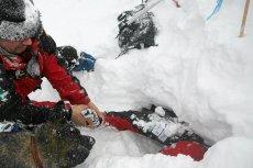 Lawina śnieżna w Tatrach słowackich spowodowała śmierć Polaka. Jego towarzyszka w stanie ciężkim trafiła do szpitala.