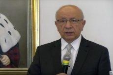 Prof. Bogdan Chazan odebrał nagrodę od abp. Marka Jędraszewskiego.