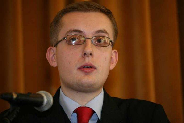 Robert Winnicki, szef Młodzieży Wszechpolskiej, którego komentatorzy Poranka w Radiu TOK FM porównali do Hitlera