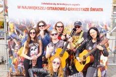 """1 maja 2018 na wrocławskim rynku ustanowiono nowy Gitarowy Rekord Guinnessa. """"Hey Joe"""" Jimiego Hendrixa zagrało 7411 gitar."""