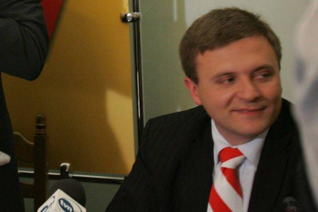 Mateusz Piskorski jest oskarżany o szpiegostwo. Wyszedł na wolność za poręczeniem.