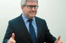"""Ryszard Czarnecki odpowiedział na zarzuty o nieprzestrzeganiu zasad demokracji, że """"Polska jest oazą normalności""""."""