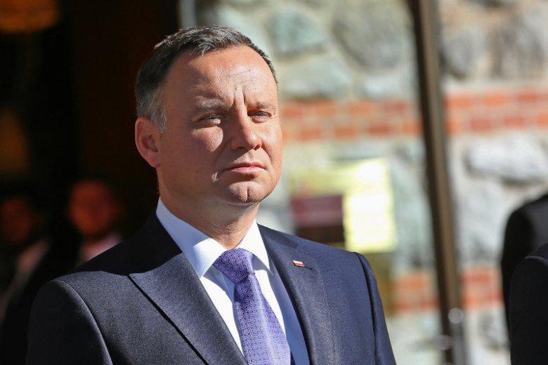 Andrzej Duda skrytykował w Berlinie decyzję Unii Europejskiej o wycofaniu ze sklepów zwykłych żarówek