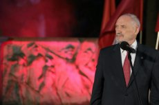 Minister Macierewicz chętnie odwołuje się do chwały oręża polskiego.