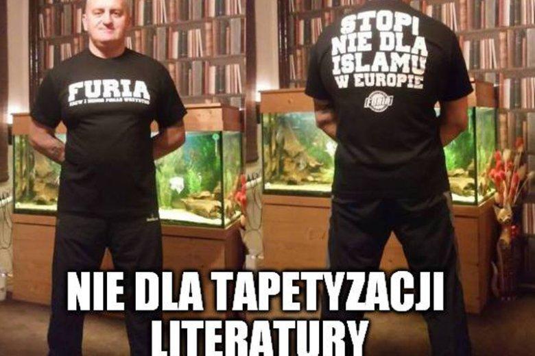 Marian Kowalski ma fikcyjnąbiblioteczkę