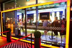 mini MINI, czyli węgierski bar zainspirowany kutlowym samochodem