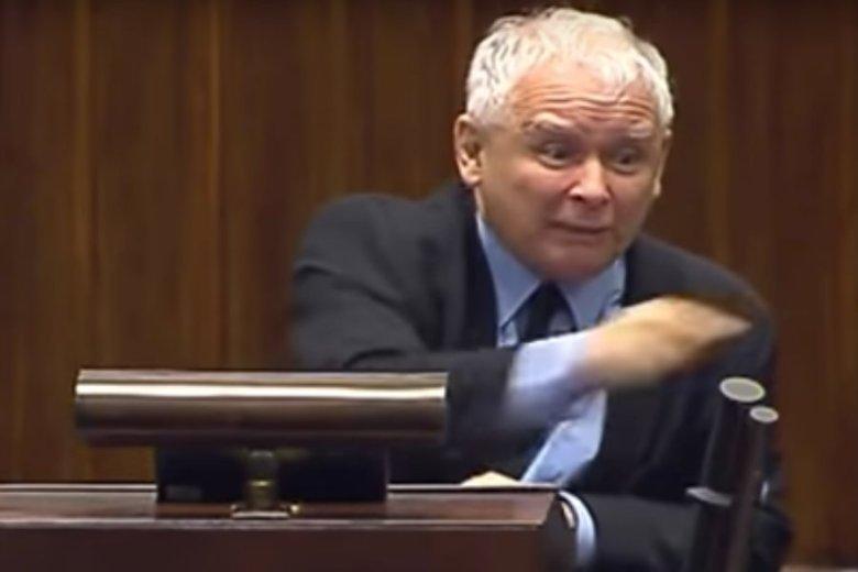 Jarosław Kaczyński uraził wielu posłów swoją wypowiedzią o zdradzieckich mordach.