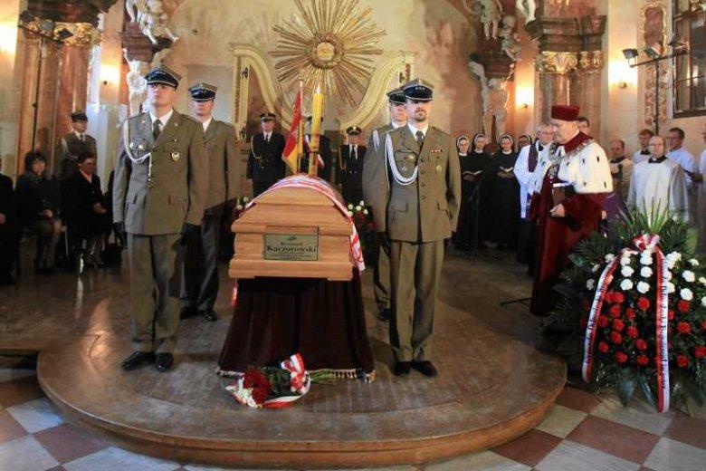 Uroczystość pożegnania ciała prezydenta Ryszarda Kaczorowskiego na Uniwersytecie Wrocławskim.
