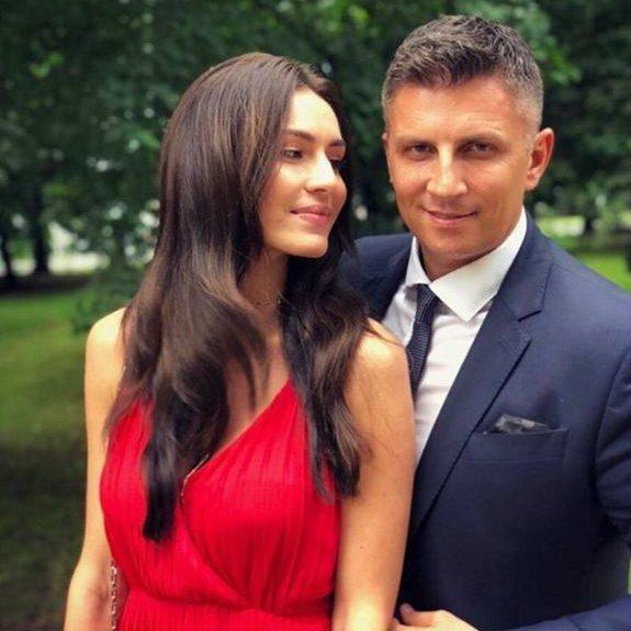 Mateusz Borek z żoną, Joanną Chętnik-Borek.