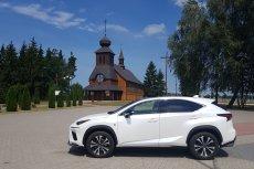 Lexus NX300 to wygodny i elegancki SUV, w którym podróżowanie to prawdziwa przyjemność.