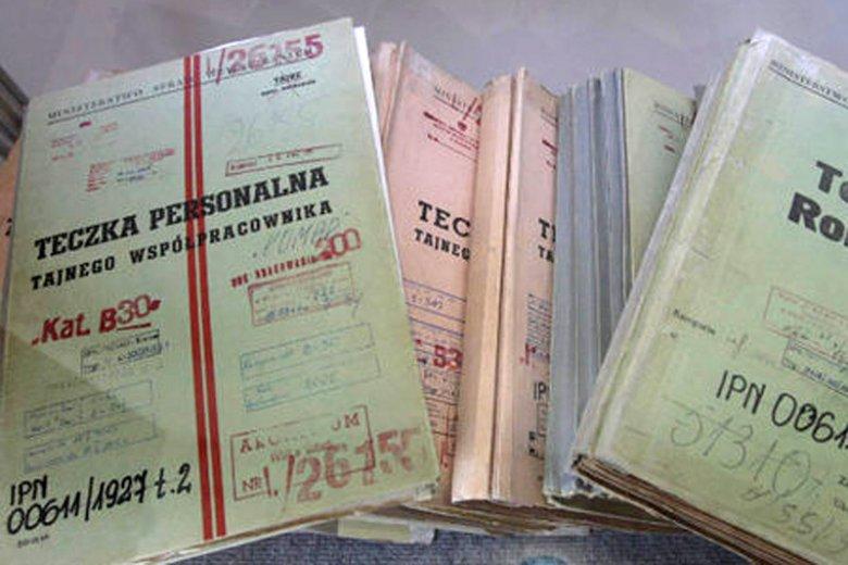 Kim byli ludzie, którzy stali za tworzeniem takich teczek i walczyli o opozycją o przetrwanie PRL?