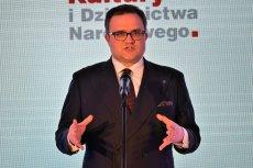 Michał Krupiński, prezes PZU spełniał życzenia władzy, a i tak go zdymisjonowali. Na fotografii w roli sponsora Biblioteki Narodowej.