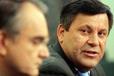 Zmiana na stanowisku szefa w PSL-u spowodowała sporo zamieszania. Na zdjęciu stary i nowy przewodniczący ludowców: Waldemar Pawlak i Janusz Piechociński.
