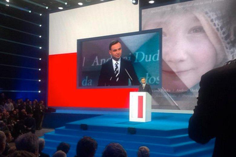 """Konwencja Andrzeja Dudy była przygotowana """"na bogato""""."""