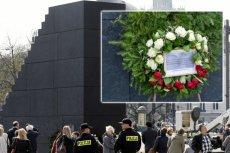 Przy pomniku smoleńskim pojawił się wyjątkowy wieniec. Interweniowała policja