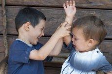 Dzieci obserwują świat dorosłych i chłoną to, co widzą