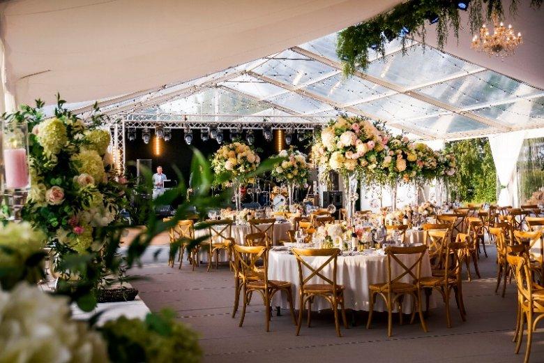 Aranżacja sali weselnej w wykonaniu Agencji Aspire