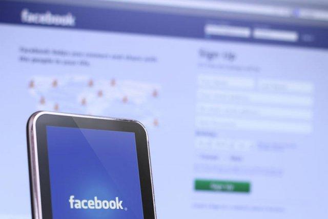 Facebook kupił mobilną aplikację WhatsApp za 19 miliardów[url=http://shutr.bz/1d2VwwC]dolarów[/url]