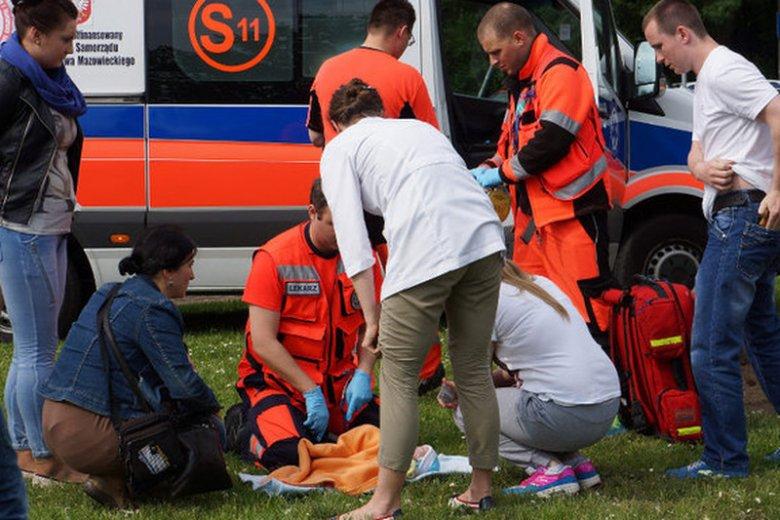 Dzięki pierwszej pomocy ofiara może doczekać do przyjazdu pogotowia ratunkowego.