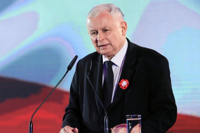 Jarosław Kaczyński znany jest ze swojego niewielkiego wzrostu.