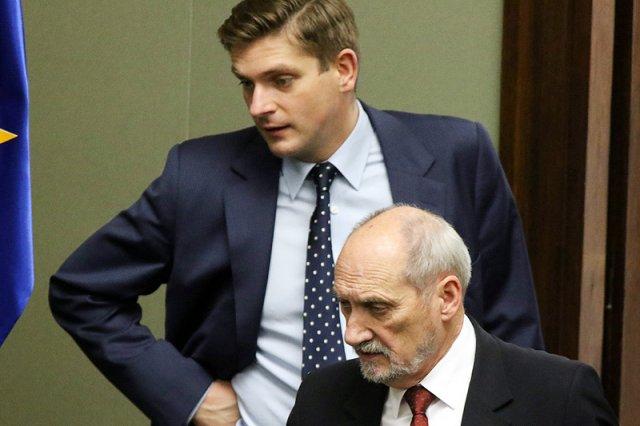 Tomasz Siemoniak zaszachował szefostwo MON jednym zdaniem.