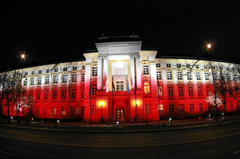 Skompromitowani współpracownicy Beaty Szydło znów będą pracować w Kancelarii Premiera.