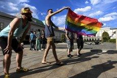 Środowiska LGBT przed Pałacem Prezydenckim