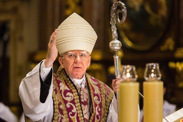 Arcybiskup Marek Jędraszewski znany jest z mocnych wystąpień przeciwko przerywaniu ciąży.