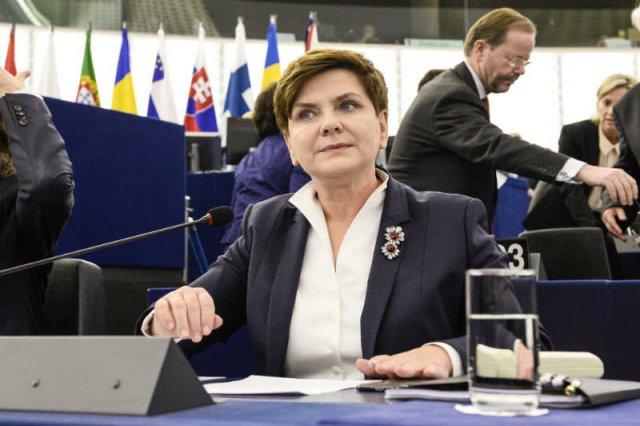 Beata Szydło w Parlamencie Europejskim posłużyła się manipulacjami.