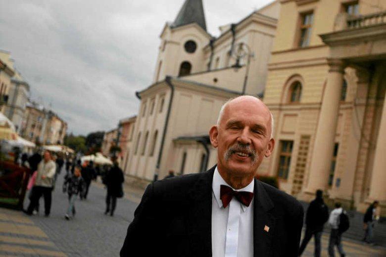 Janusz Korwin-Mikke przekonuje, że sytuacja na Ukrainie to nie nasz interes i nie powinniśmy się w ten konflikt angażować.