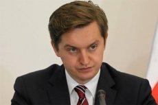 Sebastian Kaleta tłumaczy premiera.