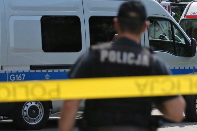 W Wodzisławiu Śląskim zatrzymano dziwnie pobudzonego mężczyznę, który w pewnym momencie zaczął nożem ciąć własne spodnie.