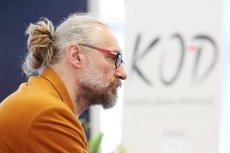 Były lider KOD Mateusz Kijowski usłyszał zarzuty związane z poświadczeniem nieprawdy w fakturach i przywłaszczeniem 121 tys. zł.