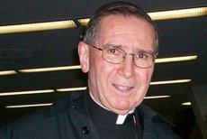 Były arcybiskup Los Angeles Roger Mahony jest oskarżany o tuszowanie pedofilii wśród księży.