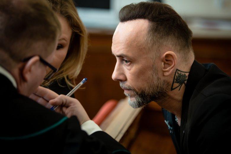 """Adam """"Nergal"""" Darski został uniewinniony w sprawie rzekomego znieważenia godła polskiego."""