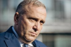 Czy Grzegorz Schetyna po przegranych wyborach powinien zrezygnować  funkcji przewodniczącego PO? Ewa Kopacz tak zrobiła.