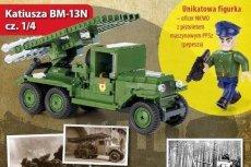Firma COBI SA zachęca dzieci do zabawy figurką oficera NKWD.