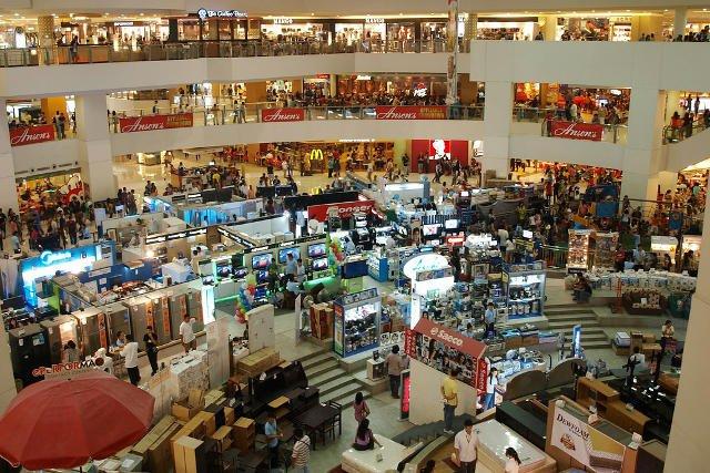 Tajemniczy klienci odwiedzają m.in. centra handlowe