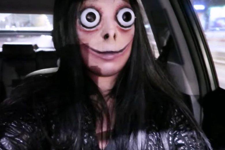Vlogera Agnieszka Grzelak prowadziła auto w masce ograniczającej widoczność