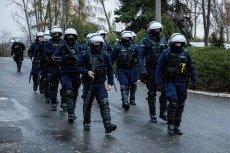 W Koninie po śmierci 21-latka doszło do zamieszek i ataków na policję.